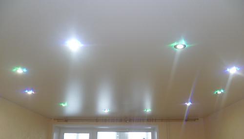 Перфорированный потолок натяжной